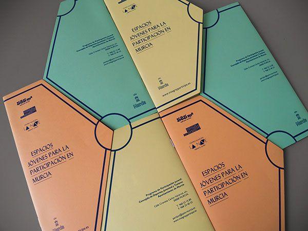 Polygon-Style-Creative-Brochure-Design