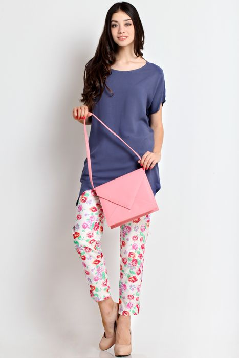 Cantalope 02 clutch bag #clutchbag #taspesta #handbag #fauxleather #kulit #messengerbag #envelope #amplop #fashionable #simple #elegant #stylish #pink Kindly visit our website : www.zorrashop.com