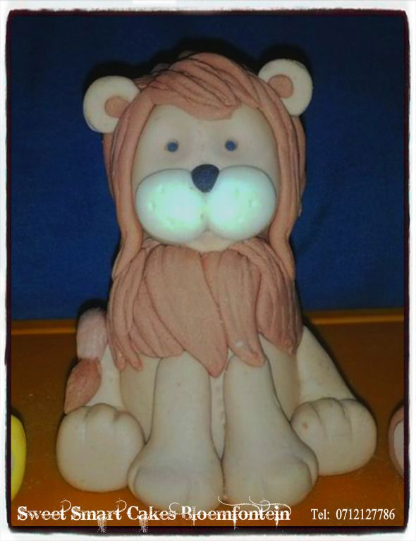 Fondant Lion For more info & orders, email SweetArtBfn@gmail.com or call/whatsapp 0712127786.