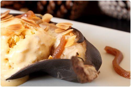 Chaud/froid de banane, glace caramel et pignon