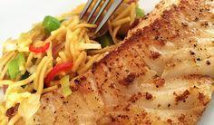Vis eten is gezond! Probeer deze heerlijke combinatie van kabeljauw, wokgroente en eiermie eens. Een snel en eenvoudig recept!
