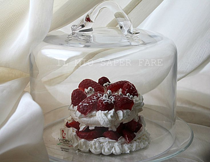 Pavlova with strawberries in a #dome