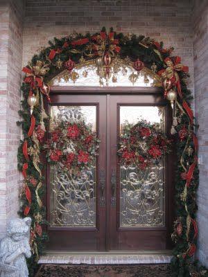 Pretty Doorway: Christmas Entryway, Christmas Front Doors, Christmaschristma Decor, Christmas Doors Decor, Holidays Decor, Christmas Porches, Christmas Decor, Christmas Garlands, Christmas Ideas