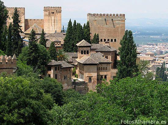 la-alhambra-desde-el-generalife  I want to go back!