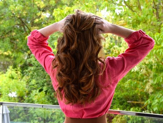 Nume Hair Wand review-  Beautiful curls, Strawberry blonde hair, hairstyles made easy, surly style.
