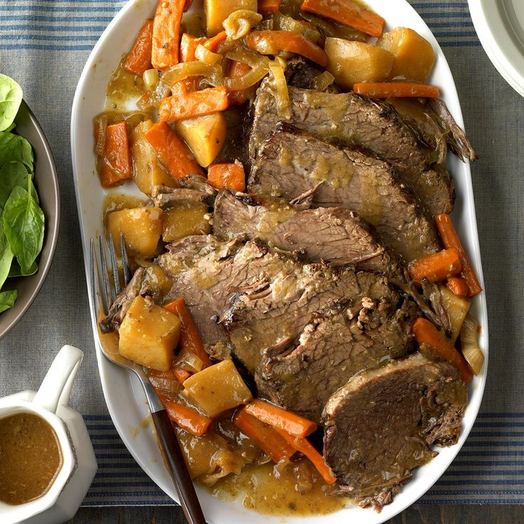 Gather the family around the Sunday dinner table for a home-style meal made in the slow cooker. Try comforting favorites like pot roast, beef stew and more.