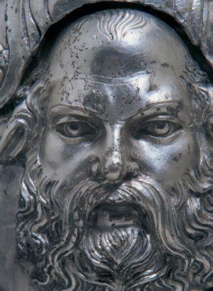Σελίδες Ιστορίας και Επιστήμης: Το Μουσείο των βασιλικών τάφων των Αιγών