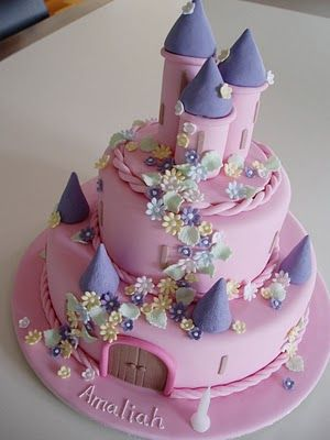 Princess castle cake- Perfect for Trinity, I have got to learn how to make cakes like this!