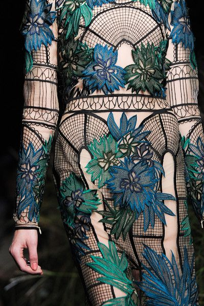 Erdem Spring 2015 dream dress. This model looks like she's wearing a trellis. It's so great!