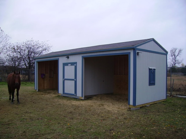 1000 images about barn loafing sheds run ins on for 12x28 shed