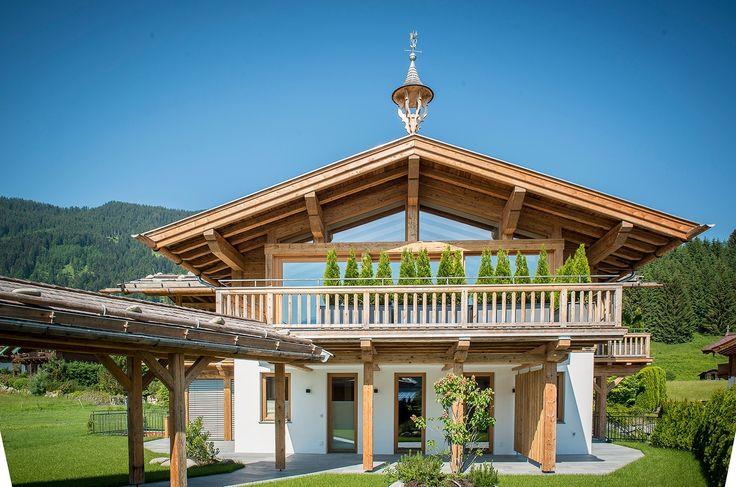 Die drei Terrassen des #Chalet Alpenhof garantieren Ihnen Sonne vom Frühstück bis zum Abendessen und traumhafte #Ausblicke in die umliegende Bergwelt.