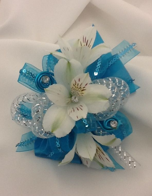 Wrist Corsages for Prom 2013 | 2013 Prom Trends