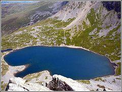 Llyn Y Gadair (Crashmatt) Tags: wales lumix panasonic climbing tabledirect cyfrwyarete cadairidirs