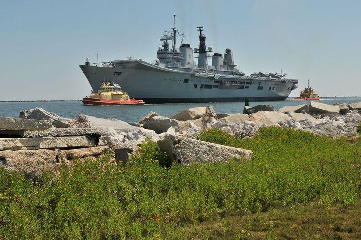 HMS_ARK_ROYAL_28_MAY_10_Mayport_Fla
