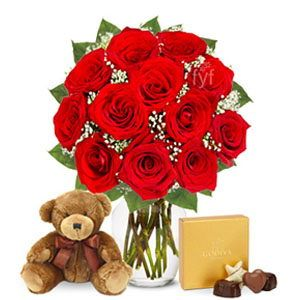 Fesselnd 75.95 1 Dozen Red Roses With Godiva Chocolates And Bear 2 This Garden Fresh  Bouquet Arrives With A Box Of Chocolates And A Cuddly Teddy Bear.
