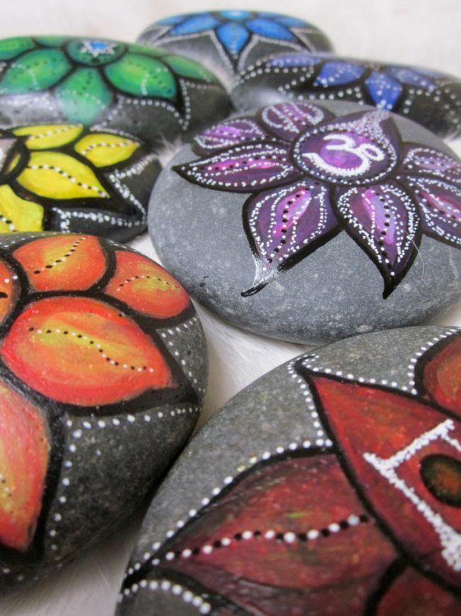 steine bemalen blumen fruehling blueten gestaltung acryl