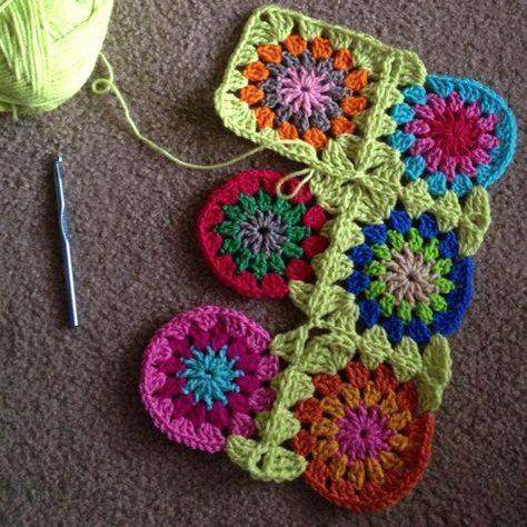 Continuous join-as-you-go afghan or granny squares tutorial!    Cool!