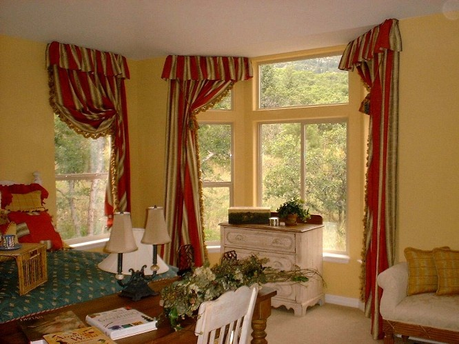 17 best images about for the home on pinterest bay for Bay window treatments for kitchen ideas