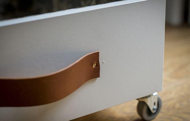 Come realizzare cassetti sotto il letto con ruote