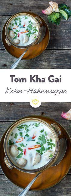 Ein Klassiker der thailändischen Küche: Tom kha gai ist ein Süppchen aus milder Kokosmilch, zartem Hähnchenfleisch, Galangal und reichlich Chili.