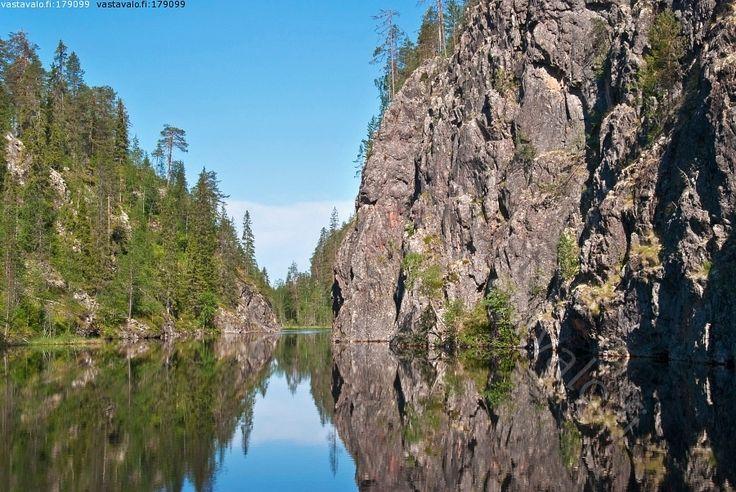Canyon Lake Julma-Ölkky, Kuusamo Finland. Photo & copyrights: Jari Kurvinen / Vastavalo.fi