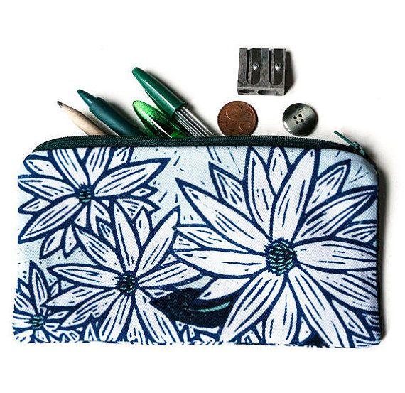 Illustrated pencil case - White and green flowers by Marion Marty for Yamok on Etsy