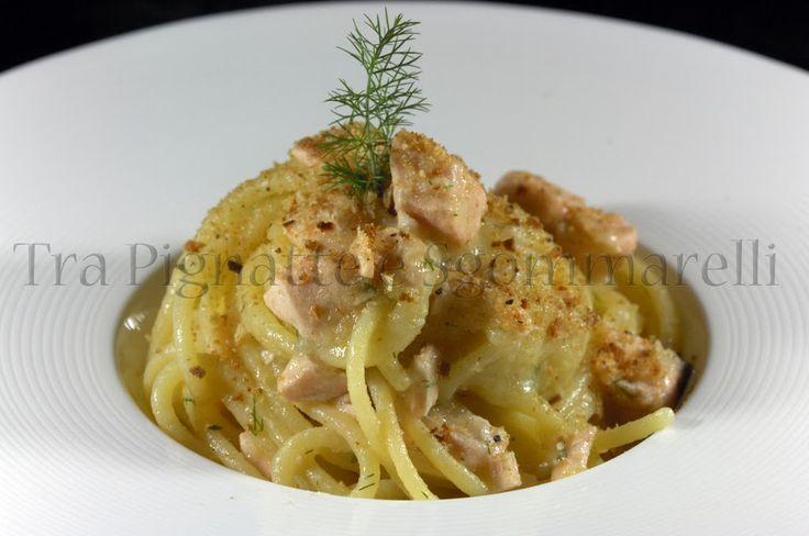 Le mie ricette - Spaghettoni con salmone fresco, crema di patate, finocchietto e pangrattato tostato