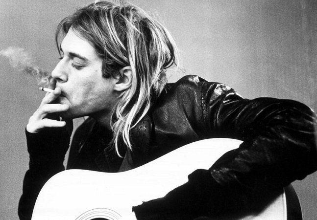 Uma curta declaração de Jeff Jampol ao New York Times está agitando os fãs de Kurt Cobain. Segundo o empresário, especialista em cuidar do legado de grandes artistas, uma exposição contendo pinturas do lendário líder do Nirvana está no forno. Kurt sempre foi expressivo por natureza. Sua arte não se limitava apenas às suas letras e músicas, mas muitas vezes emergia também de forma visual. É o caso dos desenhos que fazia ainda na adolescência, como na ácida tirinha Mr. Moustache. No último ano…