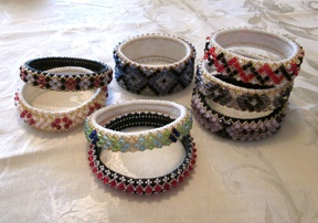 A new pattern from Paula Adams!  Check out her site if you love dimensional beadwork!