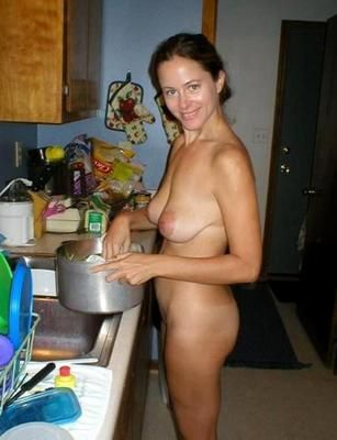 Amateur home cookin with hot sex