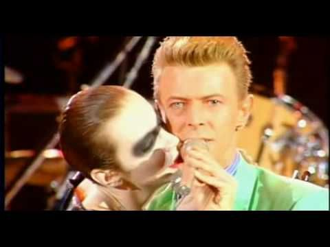 On this day : 20th April 1992 - Annie Lennox and David Bowie perform at the Freddie Mercury tribute concert at Wembley - http://www.eurythmics-ultimate.com/blog/2015/04/20/on-this-day-20th-april-1992-annie-lennox-and-david-bowie-perform-at-the-freddie-mercury-tribute-concert-at-wembley-8/