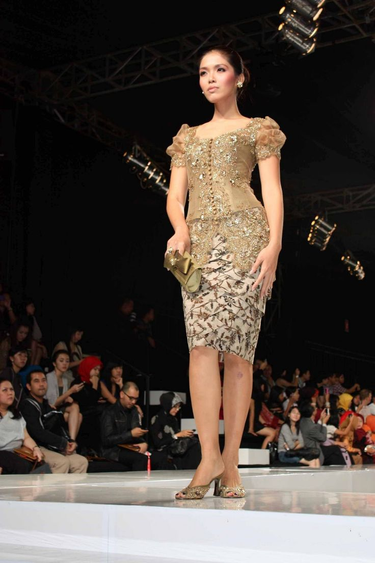 Kebaya by Anne Avantie #Indonesian fashion #Indonesian culture http://indostyles.com/