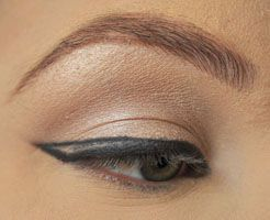 Perfect Cat Eyeliner - Beginners Crash Course