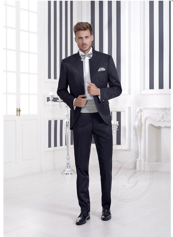 Traje de novio de @vertizegala. Temporada 2017 #novios #boda #fashion #wedding #moda #tublogdeboda