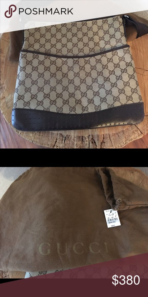 Gucci Messenger bag Gently used. Tag and dust bag included Gucci Bags Crossbody Bags