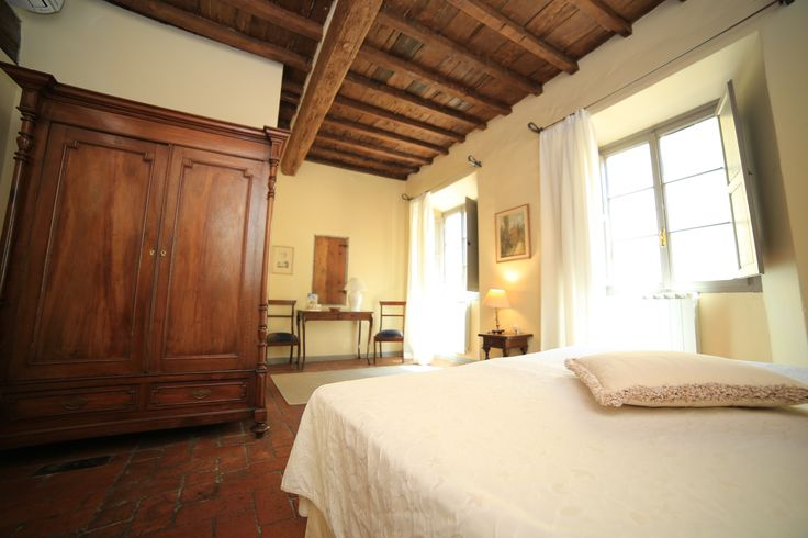 The apartment, on the second floor of Palazzo Belfiore, is extremely comfortable and furnished with beautiful mix of antique and modern pieces. Its large double bedroom is full of light and has a king size bed (or two single beds by request). This beautiful bright bedroom, which still boasts its original 16th century terracotta tile floor, is perfect for romantic couples on their honeymoon or celebrating an anniversary.   No. of Beds 3 + sofabed kingsize.