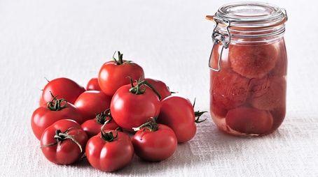 Tomates entières au naturel