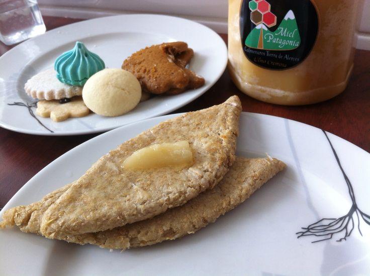 Catutos con miel. Comida mapuche-huilliche