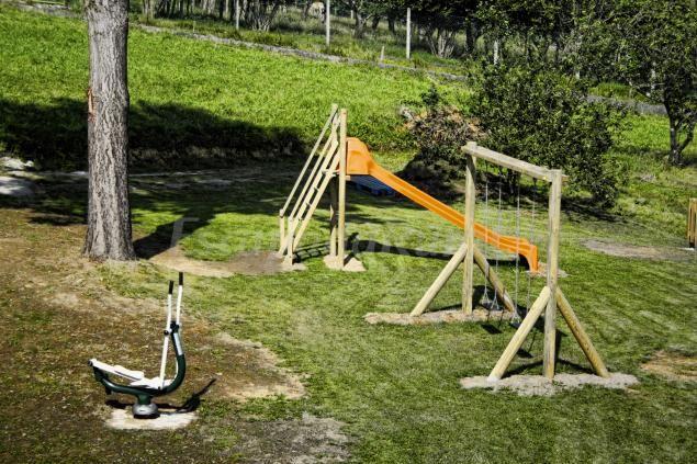 114 mejores im genes sobre casas con parque infantil en - Parque infantil casa ...
