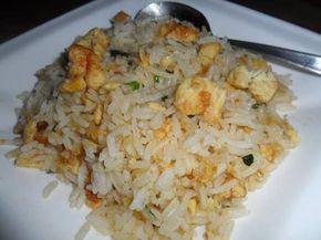 Dit recept is ingezonden door Reshma uit Rotterdam. Bhoedjel bhaat is een eenvoudig Hindoestaans gebakken rijst gerecht. Het wordt ook wel een restjes of kliekjes gerecht genoemd. Indien je nog rijst over heb van de afgelopen dag is dit een lekkere en eenvoudige maaltijd. Vroeger werd dit meestal door de Surinaamse Hindoestanen gegeten voordat men…