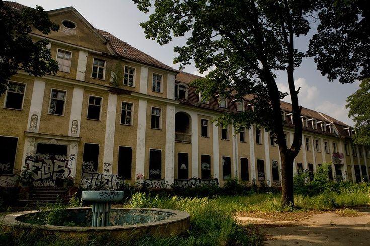 Königin Elisabeth Hospital: an Abandoned General Hospital in Berlin, Germany