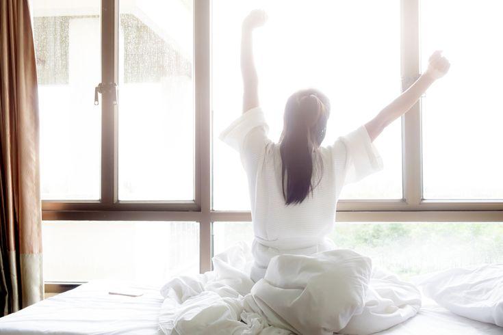 Проснулись?! :)) Ох и вредно же это - долго дрыхнуть в выходные! http://lnk.al/2Qcv #сон #отдых #режимдня   Ученые шведского Каролинского института и Бергенского университета в Норвегии уверяют, что долгий сон в выходные скорее вредит человеку, чем приносит пользу.  Хотя многие считают долгий сон неотъемлемым окончанием рабочей недели, шведские исследователи заявляют, что подобное нарушение привычного ритма не даст человеку отдохнуть, а заставит почувствовать себя хуже. Впрочем, шведы…