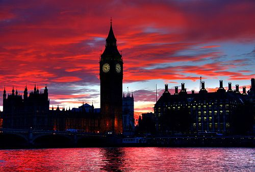 Beautiful picture of Big Ben at dusk. (London)