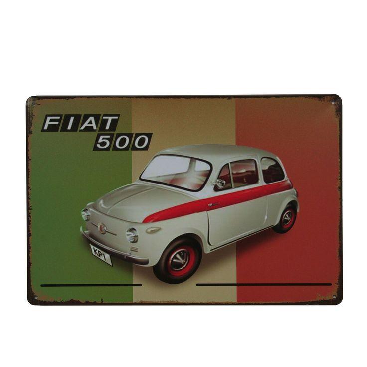 Plaque murale en métal. Thème voitures anciennes . Fiat 500 avec le drapeau national de l'Italie. Style vintage. Dimensions : 20 x 30 cm Equipée de 4 trous pour fixation aux murs et aux portes. Idéal pour faire une collection, un cadeau ou bien décorer son intérieur