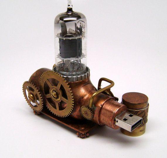 """Steampunk """"Ion Canon"""" flash drive, usb steampunk. Impulsión del flash del usb Steampunk. escultura de Steampunk."""