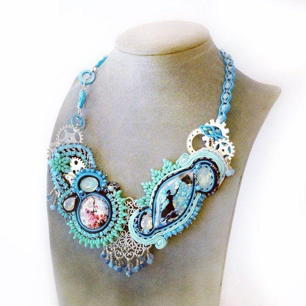 Anche Mary Poppins per Natale ha deciso di farsi un giretto nel mio shop!!  http://ift.tt/2hmk9y8 . . . #archidee #becreative #bepositive #marypoppins #steampunk #handpainted #handmade #supporthandmade #soutache #soutachejewelry #soutachemania #soutachenecklace #soutaches #fashion #fashionjewelry #instafashion #fashiongram #instajewelry #jewelrygram #jewelrytrends #jewelryblogger #jewelrydesigner #jewelryforsale #jewelrydesign #jewelrylover #steampunkfashion #fashionista