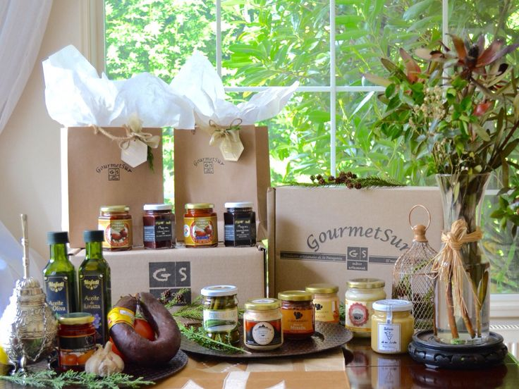 Gourmet Sur, selección de productos premium del Sur de Chile. Siempre estamos buscando nuevos productos y la mejor calidad. Puedes conocer nuestras alternativas de Cajas gourmet y elegir la que más te gusta en nuestra página: www.gsgourmetsur.com Nosotros la enviáremos hasta tu domicilio en un cuidado empaque. Somos una tienda on line que te ofrece una experiencia gourmet para regalar o compartir. Para pedidos especiales: escríbenos a: contacto@gsgourmetsur.com