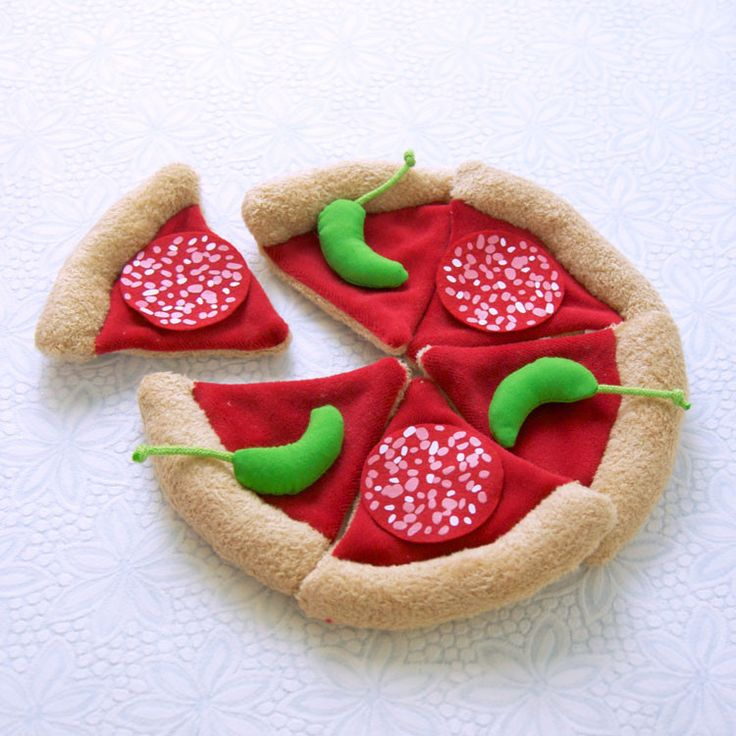 Pizza $23.75 / It's pizza time! Layer on the tomatoes and pepperoni and hold the anchovies if you'd like. You can customize each of the 6 slices to have whatever toppings you like: tomatoes, onions, mushrooms, olives, pepperoni, anchovies, peppers or cheese. Made of velour and felt.