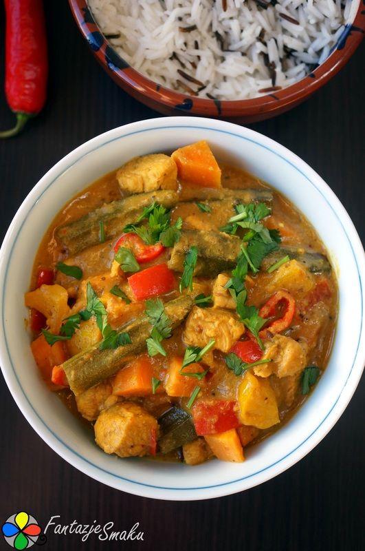 Okra i słodkie ziemniaki z kurczakiem w złotym sosie curry http://fantazjesmaku.weebly.com/blog-kulinarny/okra-i-slodkie-ziemniaki-z-kurczakiem-w-zlotym-sosie-curry