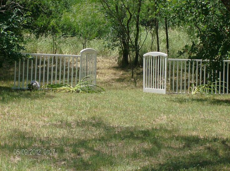 38 Homes That Turned Their Front Lawns Into Beautiful: 10+ Images About Baby And Dog Gates, Awesome! On Pinterest
